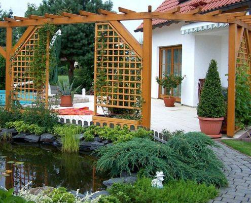 Садовая пергола-ширма